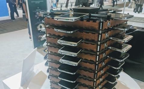 Samsung chế dàn trâu cày bitcoin từ 40 chiếc điện thoại Galaxy S5