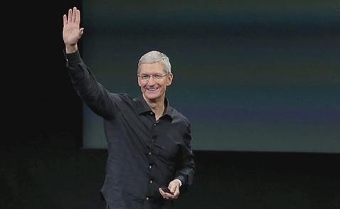 Làm ngược với Steve Jobs, Tim Cook giúp Apple thành công