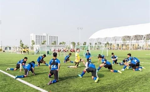 Vingroup khánh thành trung tâm bóng đá, mời sao MU về Việt Nam
