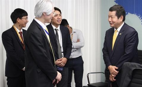 FPT trình diễn công nghệ xe tự lái cho Thứ trưởng Nhật Masahiko Tominaga