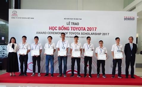 Học bổng Toyota 2017
