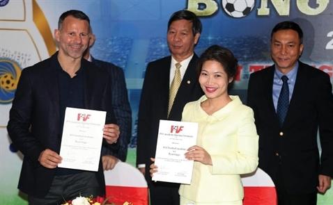 Bóng đá Việt Nam xây lại nhà từ móng