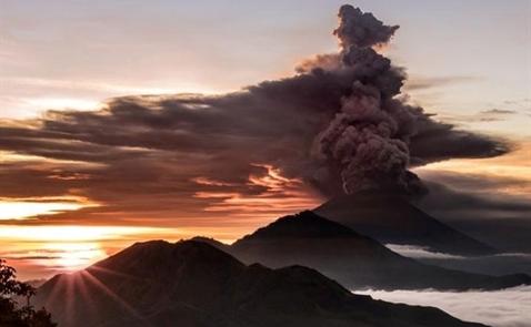 Người Việt khẩn trương ra khỏi vùng hoạt động núi lửa Agung, Bali
