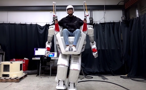 Công ty Hàn Quốc trình diễn công nghệ robot có người lái