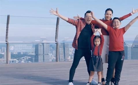 Tổng cục Du lịch Singapore ra mắt MV du lịch với gia đình ca sĩ Hoàng Bách