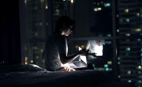 Phụ nữ làm việc ban đêm có tỉ lệ ung thư cao