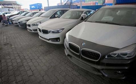 600 xe BMW  đang lưu tại cảng sẽ được chuyển về Đức