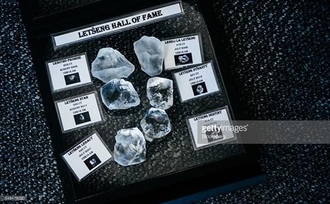 Phát hiện viên kim cương 910 carat