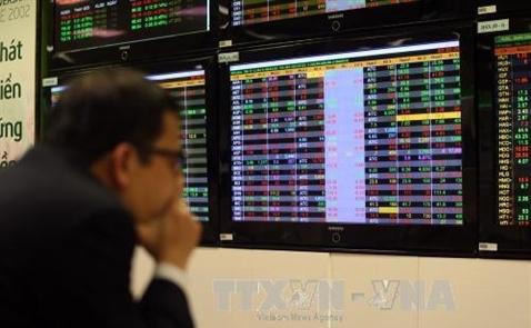 VN-Index mất 65 điểm đầu phiên giao dịch ngày 6.2