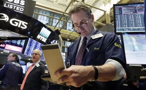 Thị trường chứng khoán Mỹ ổn định sau biến động