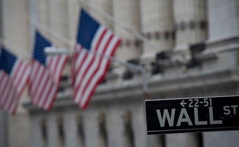 Dow Jones có phiên giảm mạnh thứ 2 trong lịch sử