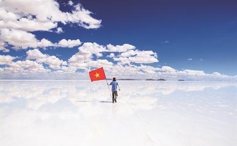 Vẽ chân dung người Việt xa xứ