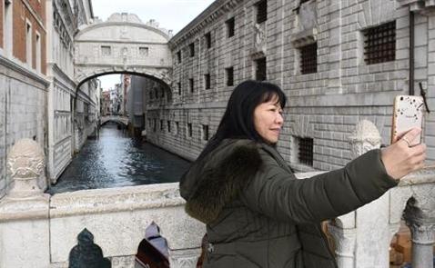 Người Trung Quốc chi gần 10 tỷ USD đi du lịch nước ngoài dịp Tết Nguyên đán
