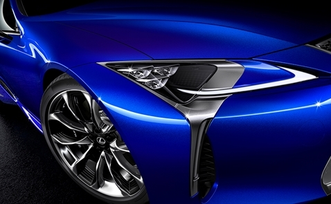 Siêu xe coupe thể thao Lexus LC500 trong Black Panther