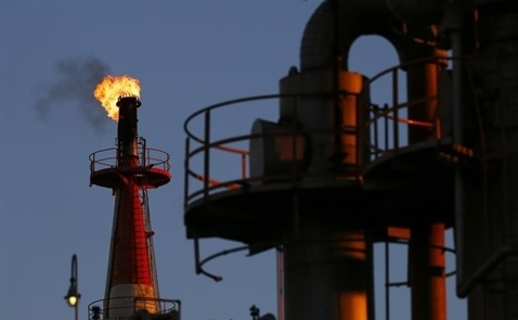 Giá dầu đạt đỉnh 3 tuần liên tục
