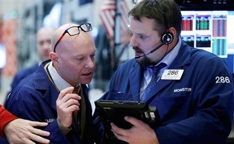 Chứng khoán Mỹ giảm mạnh do các tin tức về thuế nhập khẩu thép và nhôm