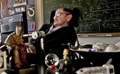 Nhà khoa học đoạt giải Nobel Stephen Hawking qua đời ở tuổi 76