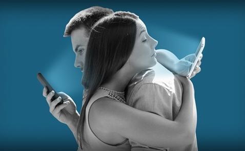 Sử dụng smartphone quá nhiều có thể khiến não lười hoạt động