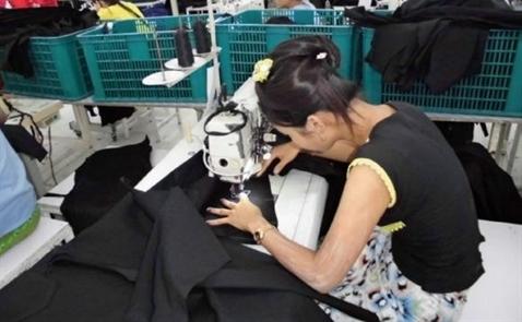 Các công ty may mặc của Nhật tháo chạy khỏi Trung Quốc vì lương tăng