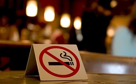 Nguy hại từ khói thuốc và người hút thuốc thụ động