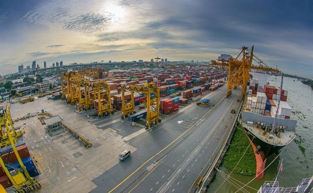 ADB: Kinh tế Châu Á 2018 tăng trưởng nhưng đầy rủi ro