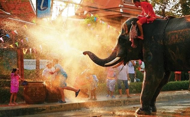 Lễ hội SongkranThái năm nay có gì khác?