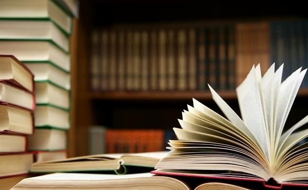 Hãy mua thật nhiều sách, không đọc hết vẫn có lợi