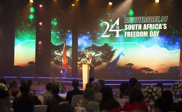 Kỷ niệm 24 năm ngày Quốc khánh Nam Phi