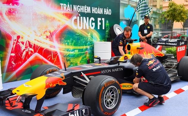 Trải nghiệm đường đua xe công thức 1 đầu tiên tại Việt Nam