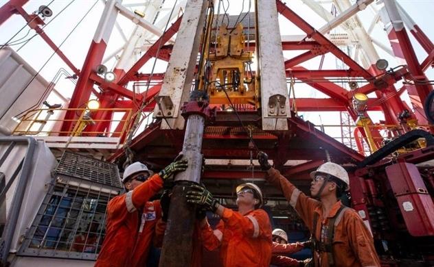 Bị Mỹ cấm vận, Nga hợp tác với Việt Nam khai thác dầu khí ở Biển Đông