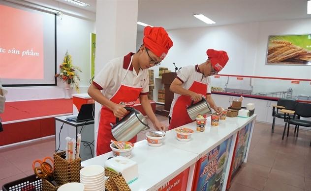 """Mì ly bắt đúng cơn """"khát"""" của thị trường mì Việt"""