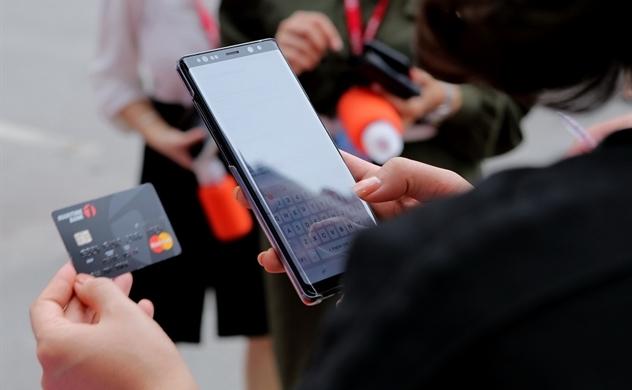 Ngân hàng tăng giá trị cho khách hàng bằng công nghệ số