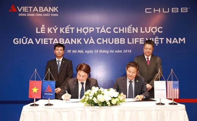 Chubb Life Việt Nam và Ngân hàng TMCP Việt Á  hợp tác phân phối sản phẩm bảo hiểm