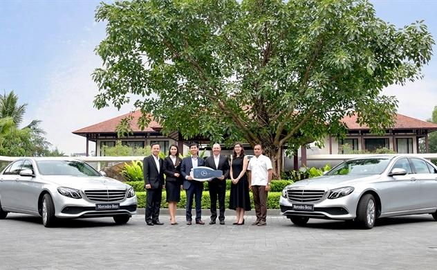 Xe cao cấp của Mercedes được đưa vào khu nghỉ dưỡng Lăng Cô