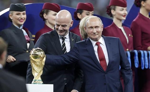 Cúp vàng cho Putin