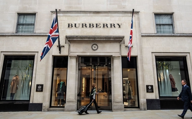 Lý do Burberry tiêu hủy hơn 37 triệu USD hàng tồn kho