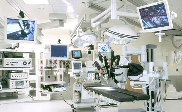 Việt Nam nhập khẩu 90% máy móc thiết bị y tế