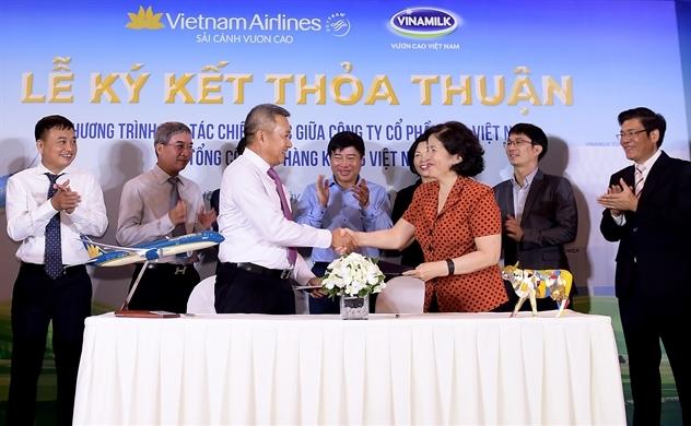 Vietnam Airlines -  Vinamilk trong chiến lược đồng thương hiệu