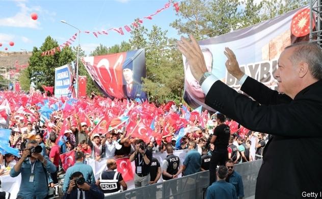 Ông Donald Trump đã góp phần đẩy Thổ Nhĩ Kỳ đến bờ vực