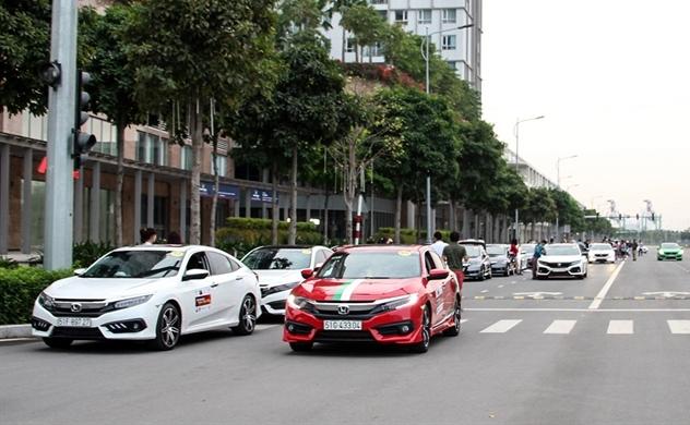 Từ bỏ lắp ráp có phải là hướng đi đúng của các liên doanh ô tô?