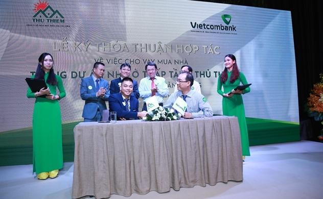 Lễ ký kết hợp tác cho khách hàng của khu Đông Tăng Long vay vốn mua nhà