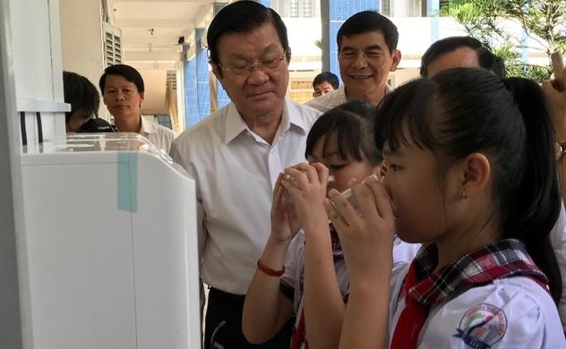 Giải bài toán khó nước sạch học đường tại huyện Thạnh Phú, Bến Tre