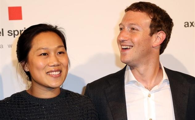Nhìn lại chặng đường của Facebook qua những bức ảnh