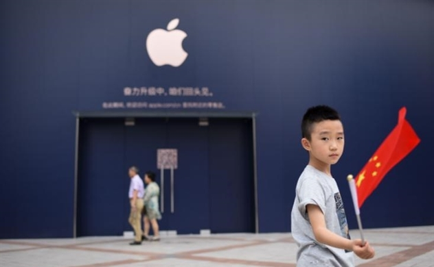 Ông Trump kêu gọi Apple trở về Mỹ