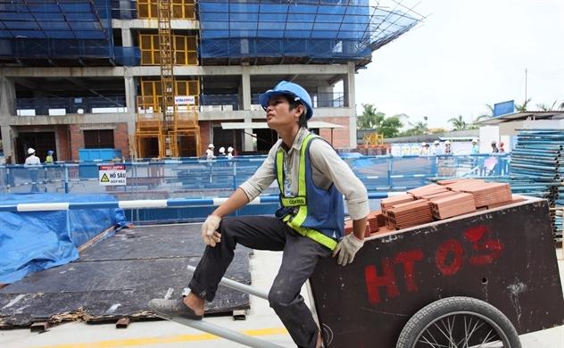 Cải cách kinh tế bằng cắt giảm đầu tư công?