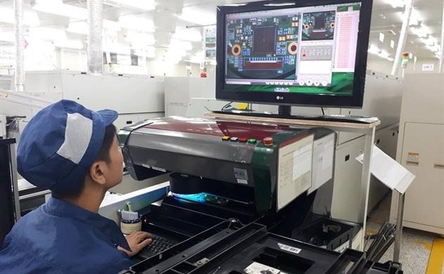 Standard Chartered: Việt Nam tăng trưởng nhanh nhưng không nguy hiểm