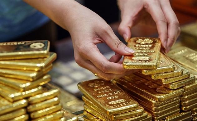Vàng tăng vọt khi chứng khoán giảm mạnh