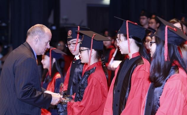 VAS trao giải cho 13 học sinh đạt thành tích xuất sắc