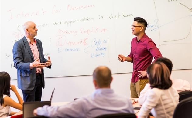 Vì sao EMBA là lựa chọn tốt nhất dành cho cấp quản lý?