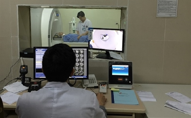 Việt Nam đứng ngoài thị trường thiết bị y tế tỉ USD